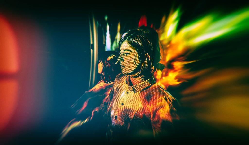 Thy Veils - Neoradiant - Manuela Ana